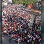 वांद्रे स्टेशनबाहेर लॉकडाऊनच्या विरोधात हजारोंची गर्दी